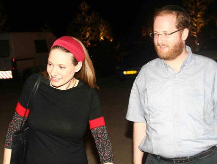 סיון רהב מאיר כתבת, עיתונאית עם בעלה ידידיה מאיר