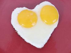 ביצי עין בצורת לב