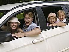 טיולי משפחות: משפחה ברכב