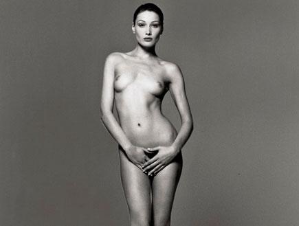 קרלה ברוני בתמונת עירום (צילום: רויטרס, רויטרס1)