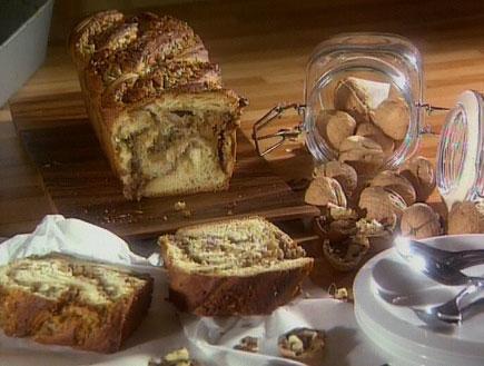 עוגת קראנץ` שוקולד ואגוזים8527 (תמונת AVI: אהרוני מבשל לחברים1)