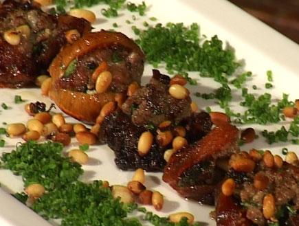 קימל, פירות יבשים במילוי קבב אנטריקוט וצנוברים (וידאו WMV: mako)