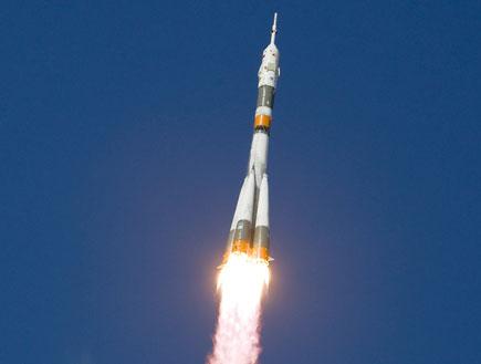 שיגור טיל לחלל (צילום: רויטרס)