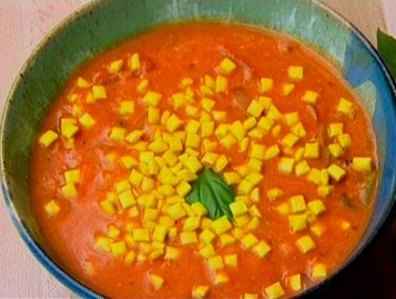 מרק עגבניות של דפנה34547 (תמונת AVI: גיל חובב מגיש:המנה של המדינה)