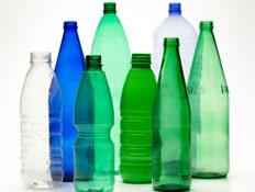 בקבוקי פלסטיק גדולים למחזור (צילום: davide chiarito, Istock)
