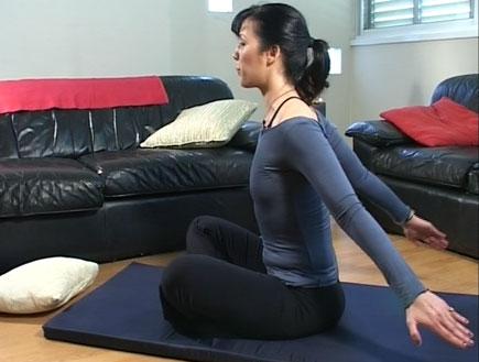 פילאטיס לתינוקות- תרגיל לחיזוק היד האחורית (וידאו WMV: mako)