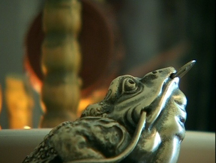 פאנג שואי, מירב ברדה - כסף, צפרדע ען מטבע (תמונת AVI: אור גץ)