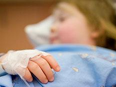 ילדה בהרדמה לפני ניתוח (צילום: Franky De Meyer, Istock)