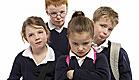ארבעה ילדים בדרך לבית הספר (צילום: jupiter images)