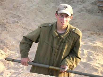 גלעד שליט בצבא (צילום: חדשות)