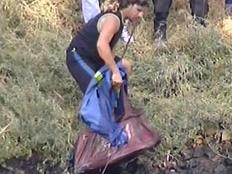 המזוודה שכנראה נמצאת בה גופתה של רוז פיזאם (צילום: חדשות)