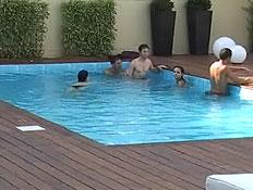 החבר'ה בבריכה 4.9 (וידאו WMV: עדי רם, האח הגדול)