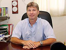 דר' שלמה לוי