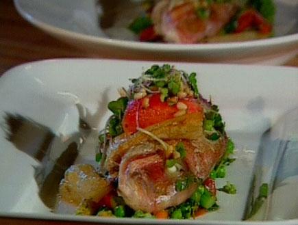 דגים אפויים עם ארטישוק ירושלמי וירקות ירוקים