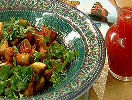 תפוחי אדמה ברוטב צ`ילי מתוק (תמונת AVI: גיל חובב מגיש:המנה של המדינה)
