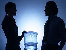 שיחה חשודה (צילום: jupiter images)