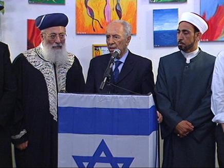 פרס בסיור בעכו,במפגש עם שייחים (צילום: חדשות)