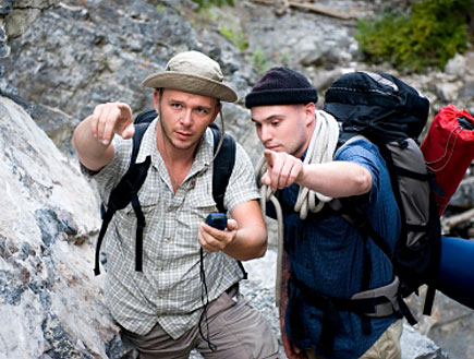 בחורים מטיילים (צילום: אימג'בנק / Thinkstock)