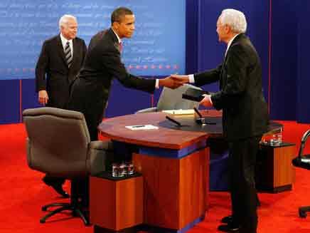 אובמה ומקיין בעימות הלילה  (צילום: רויטרס)