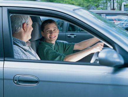 לימוד נהיגה (צילום: jupiter images)