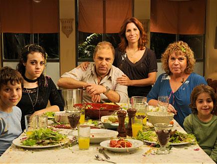 אפרת, דורון ובני המשפחה אחרי מלחמת אוכל (יח``צ: אלדד רפאלי)