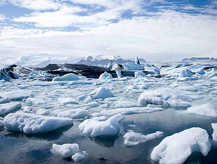 קרחונים נסחפים באיסלנד (צילום: Mlenny Photography, Istock)