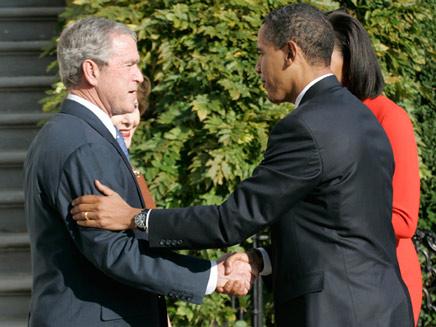 אובמה ובוש בבית הלבן (צילום: רויטרס)