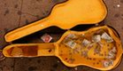 קייס גיטרה עם מטבעות (צילום: Spencer Platt, GettyImages IL)