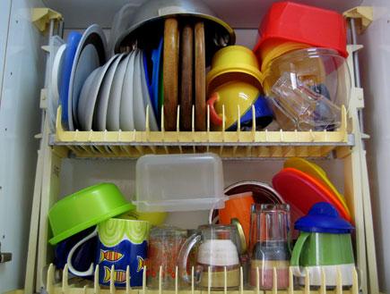 כלים שטופים (צילום: דן-יה שוורץ)