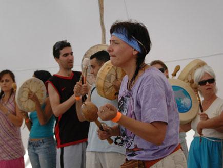 """אישה בפסטיבל מאנאטרז (צילום: יח""""צ)"""