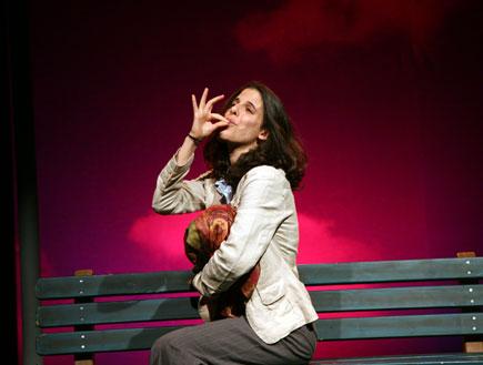"""ענבל לורי מתוך """"האישה שיכולתי להיות"""" (צילום: ז'ראר אלון)"""