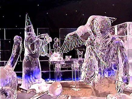 פסלים בתערוכה (צילום: חדשות)