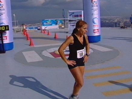 המנצחת במרוץ בעזריאלי (תמונת AVI: חדשות)
