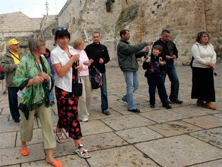 תיירים בבית לחם, ארכיון (צילום: חדשות)