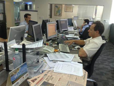 חדר העסקאות בבורסה (תמונת AVI: גלעד שלמור, חדשות)