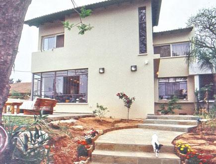 הבית מבחוץ אחרי השיפוץ (צילום: מעוז ברדה)