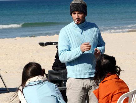 רן דנקר בצילומי הפרומו לערוץ יס סטאר (צילום: עודד קרני)