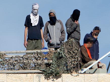 """""""נוער הגבעות"""" או חמאס? חברון, אתמול (צילום: רויטרס)"""