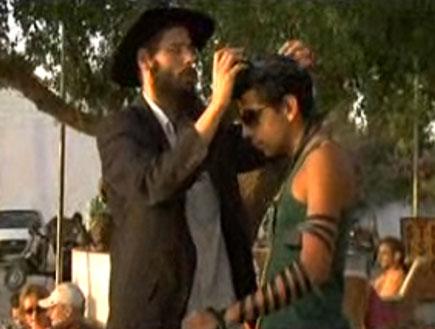 """בית חב""""ד בפושקאר (וידאו WMV: מהות החיים)"""