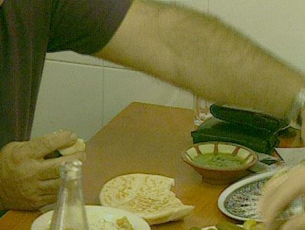 כמה עולה חומוס מקולקל? (צילום: חדשות)