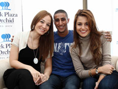 בעז מעודה וזמרות חברות מהאירוויזיון 1 (צילום: עודד קרני)