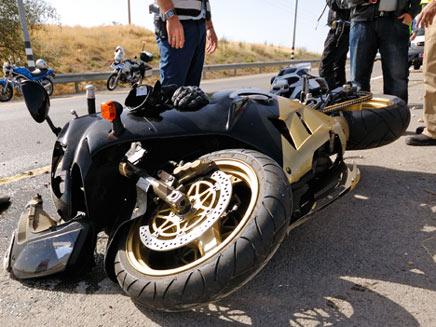 תאונת אופנוע. אילוסטרציה (צילום: mirzamlk, Shutterstock)