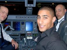 בועז מעודה בטיסת ארקיע מאילת (צילום: אלעד וייסמן)