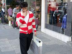 יהודה לוי, קונה בגדים, פפראצי (צילום: אלירן אביטל)