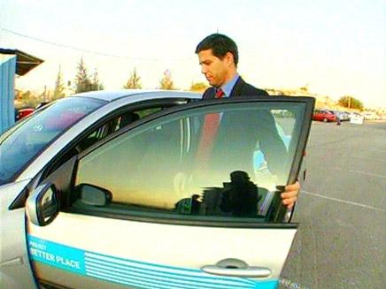 שי אגסי איש עסקים שיזם את המכונית החשמלית (צילום: חדשות 2)