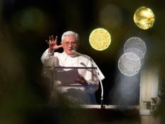 האפיפיור בנדיקוט מתוך כתבה על מחווה לגלילאו גלילי (צילום: ריטרס)
