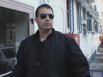 פרנסואה אבוטבול בכניסתו למאסר (צילום: חדשות 2)