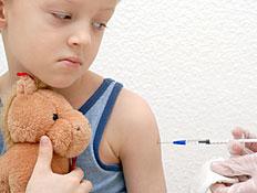 חיסון ילדים ותינוקות (צילום: Andreas Reh, Istock)