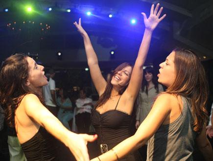 רקדי, ידך הניפי (צילום: פוטוגנים)