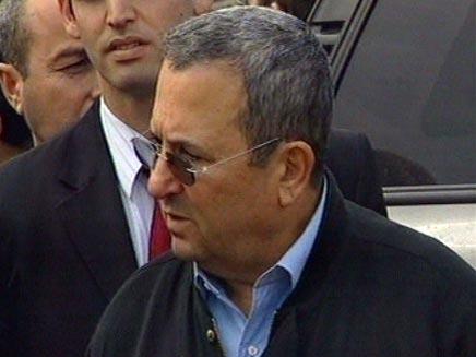 """שר הביטחון אהוד ברק בבקו""""ם, הבוקר (צילום: חדשות 2)"""